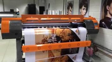 Impressora digital de etiquetas adesivas em rolos